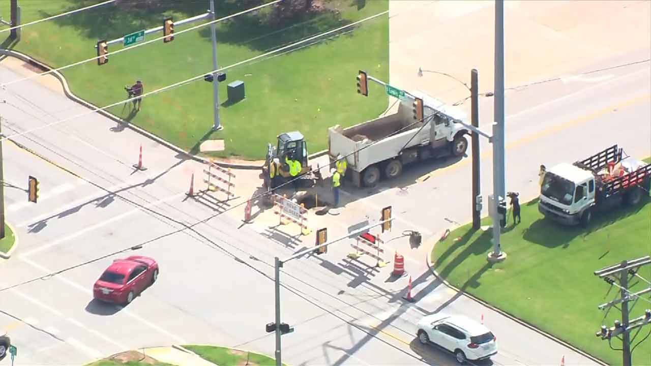 Cave-In Prompts Closure Of Tulsa Road