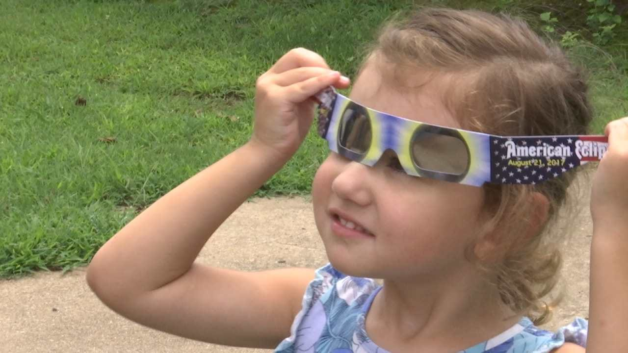 Solar Glasses Essential To See Eclipse, Tulsa Expert Says