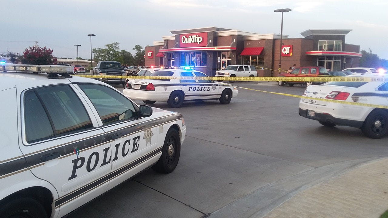 Teen Bystander Shot At QuikTrip; Tulsa Police Searching For Suspects