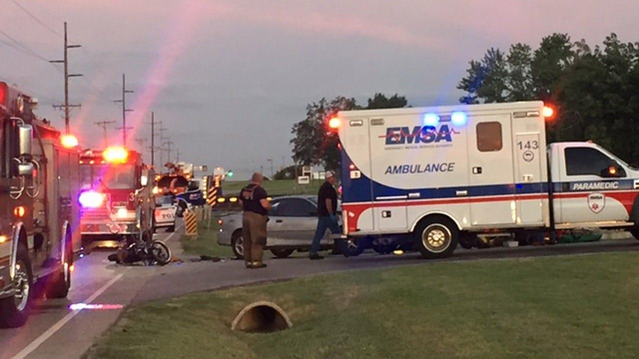 2 Injured In Tulsa Crash On Pine