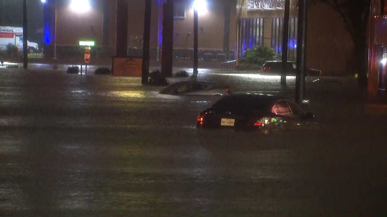 Houston Drivers Dealing With Widespread Flooding