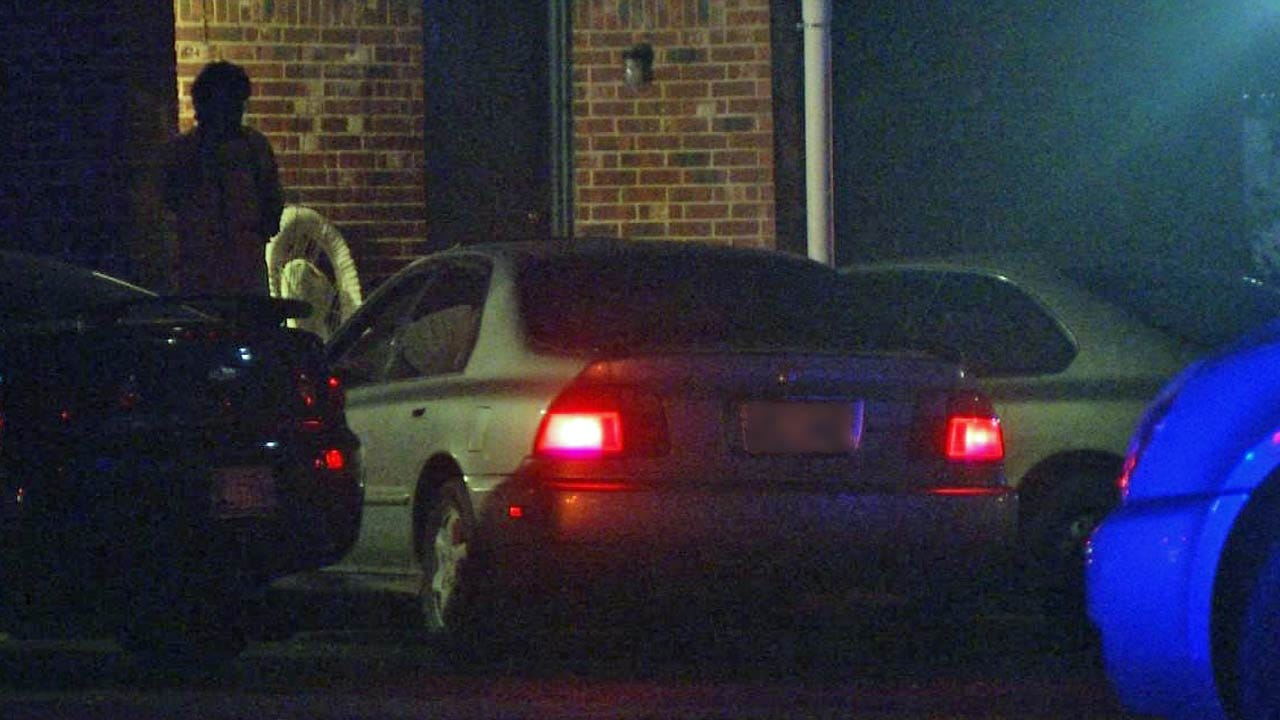 Police: Thieves Use Crowbar To Steal Tulsa Man's Car