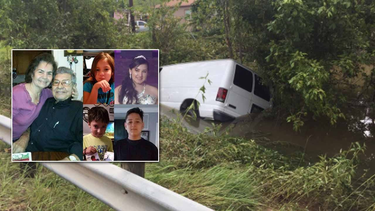 6 Family Members Found Dead In Van After Harvey Floodwaters Recede
