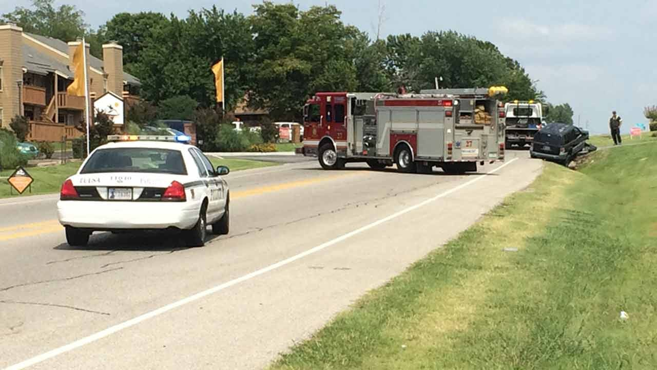 Driver Arrested At Scene Of Two-Vehicle Tulsa Crash