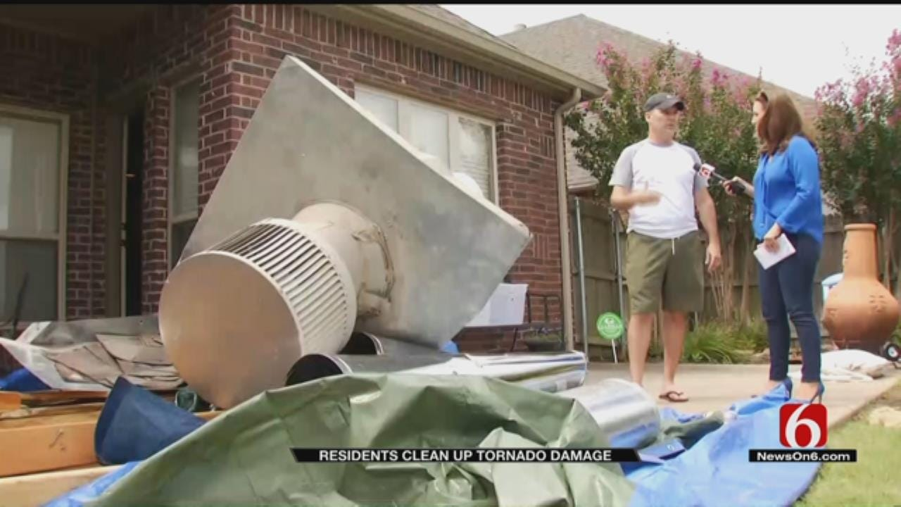 Broken Arrow Residents Begin Clean Up Following Tornado
