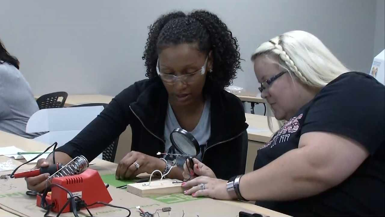 Tulsa Teachers Learn To Build Drones