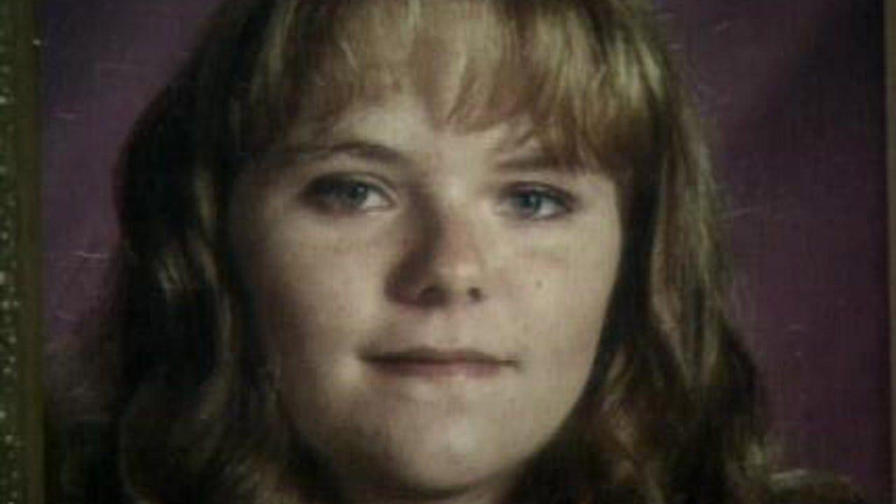 Tulsa County Sheriff's Office Investigators Work To Solve 1998 Murder