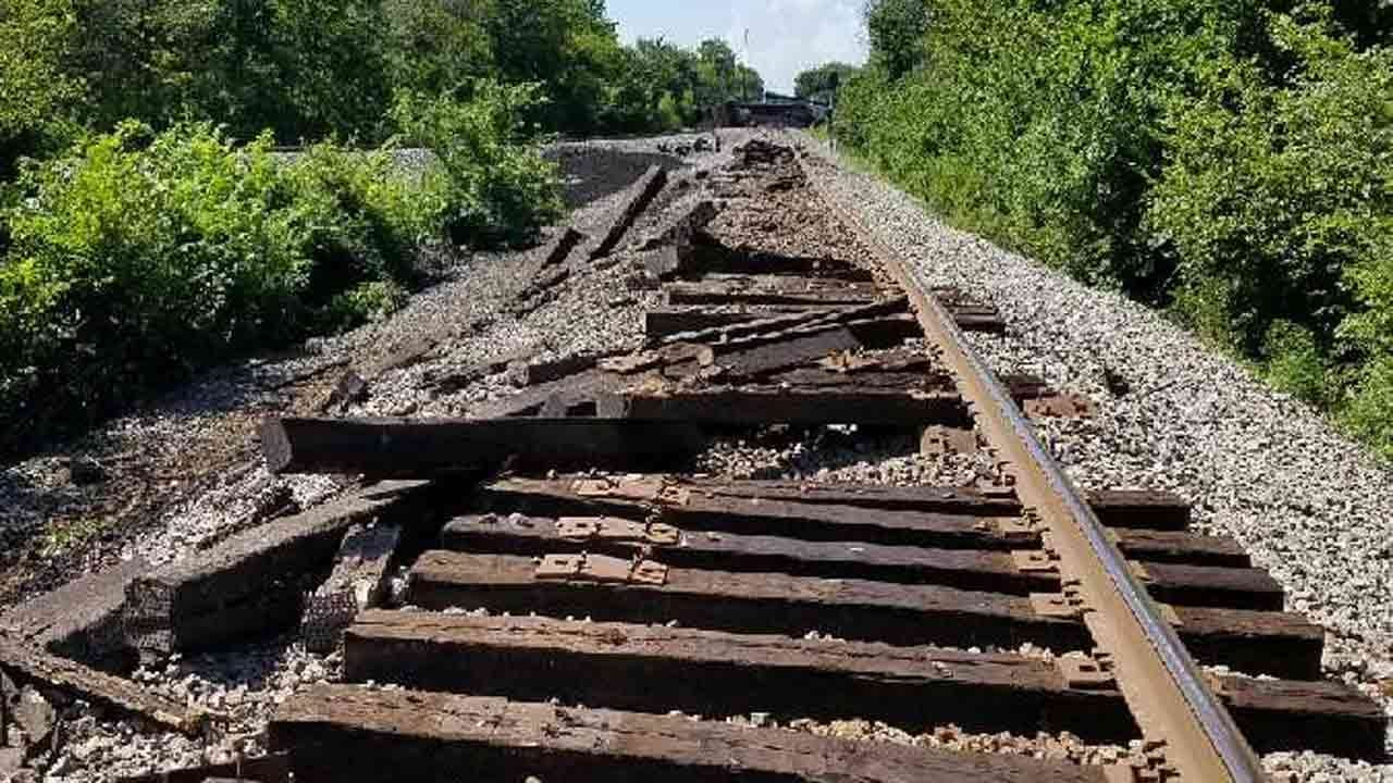Wagoner County Cleans Up Wreckage After Coal Train Derails