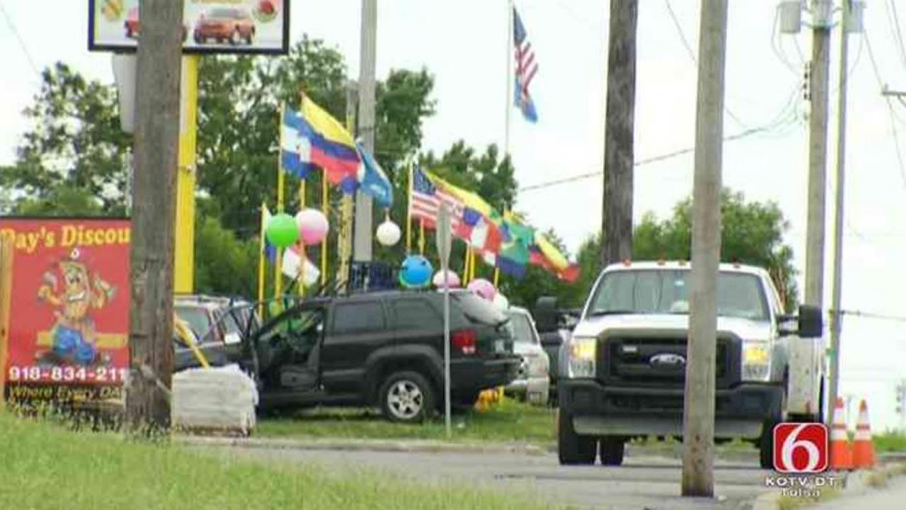 SUV Crash Causes Gas Leak In Tulsa