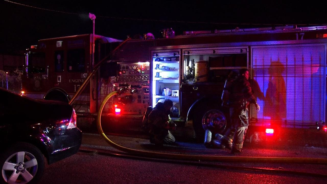Thirteen Displaced After Fire Destroys Three Tulsa Apartments