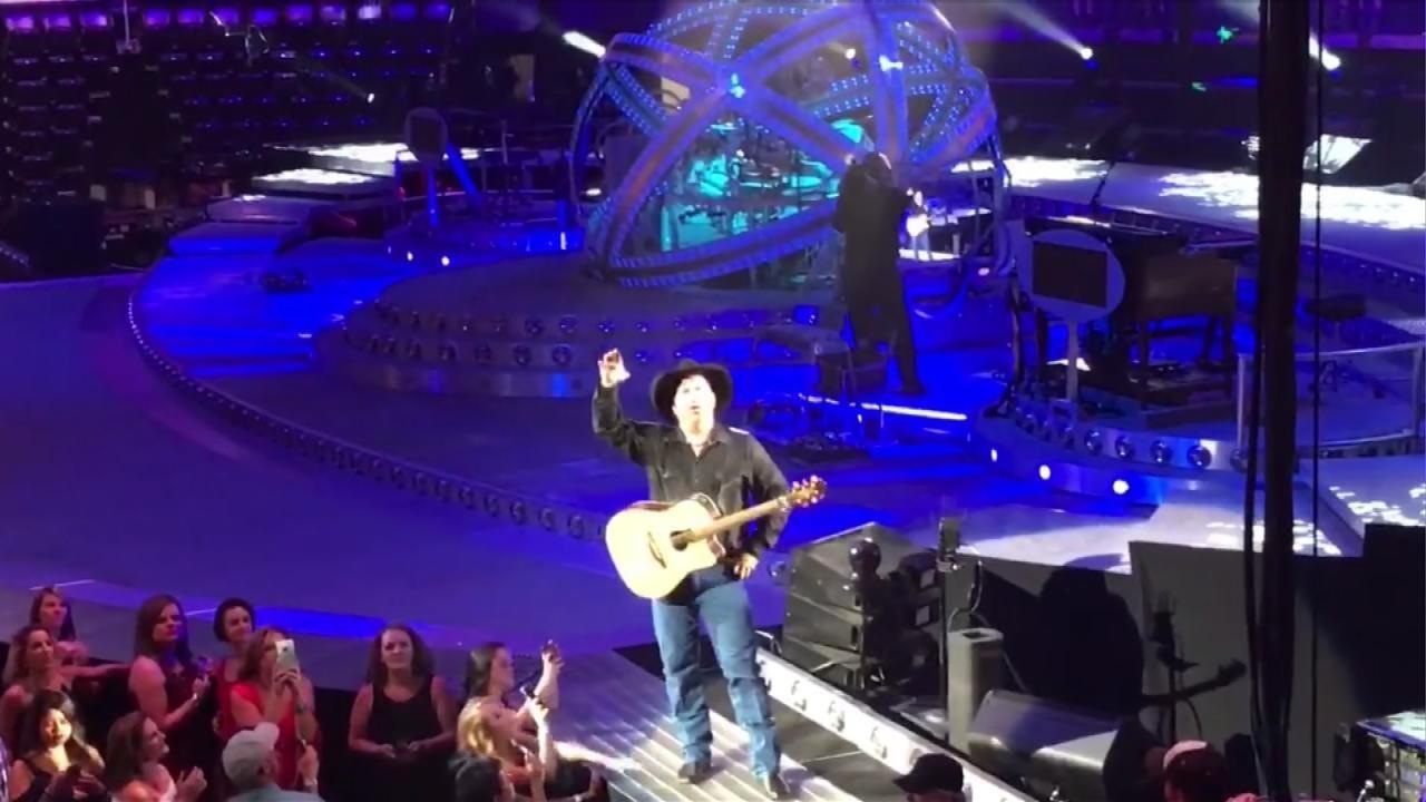 Garth Brooks Gives Engaged Couple Hawaii Honeymoon During OKC Concert