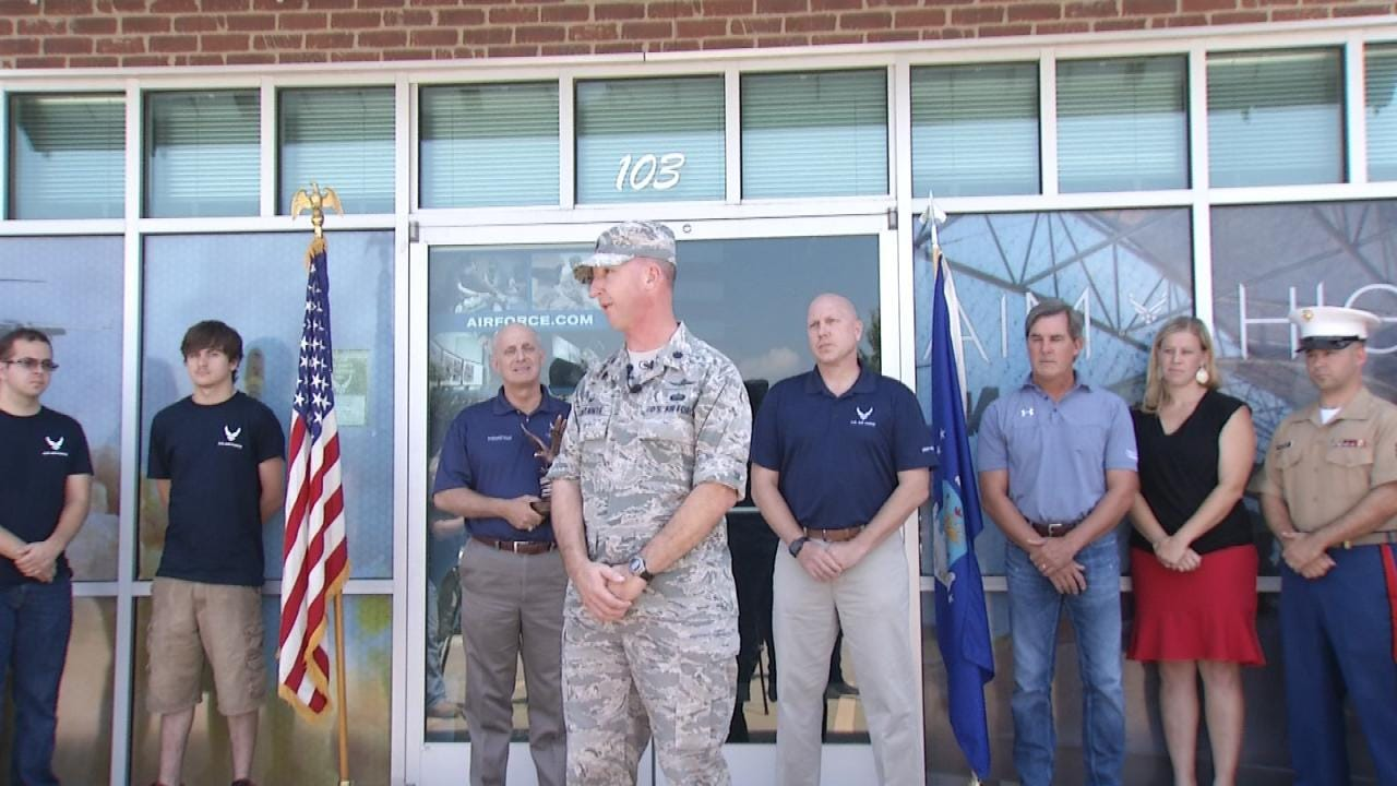 Air Force Recruiting Commander Thanks Bixby For Support