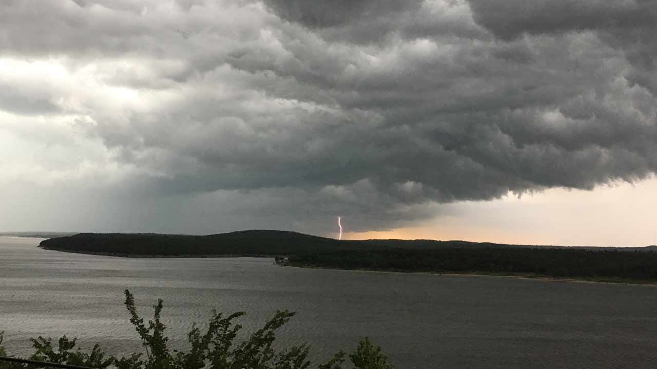 Severe Thunderstorms Race Through Green Country