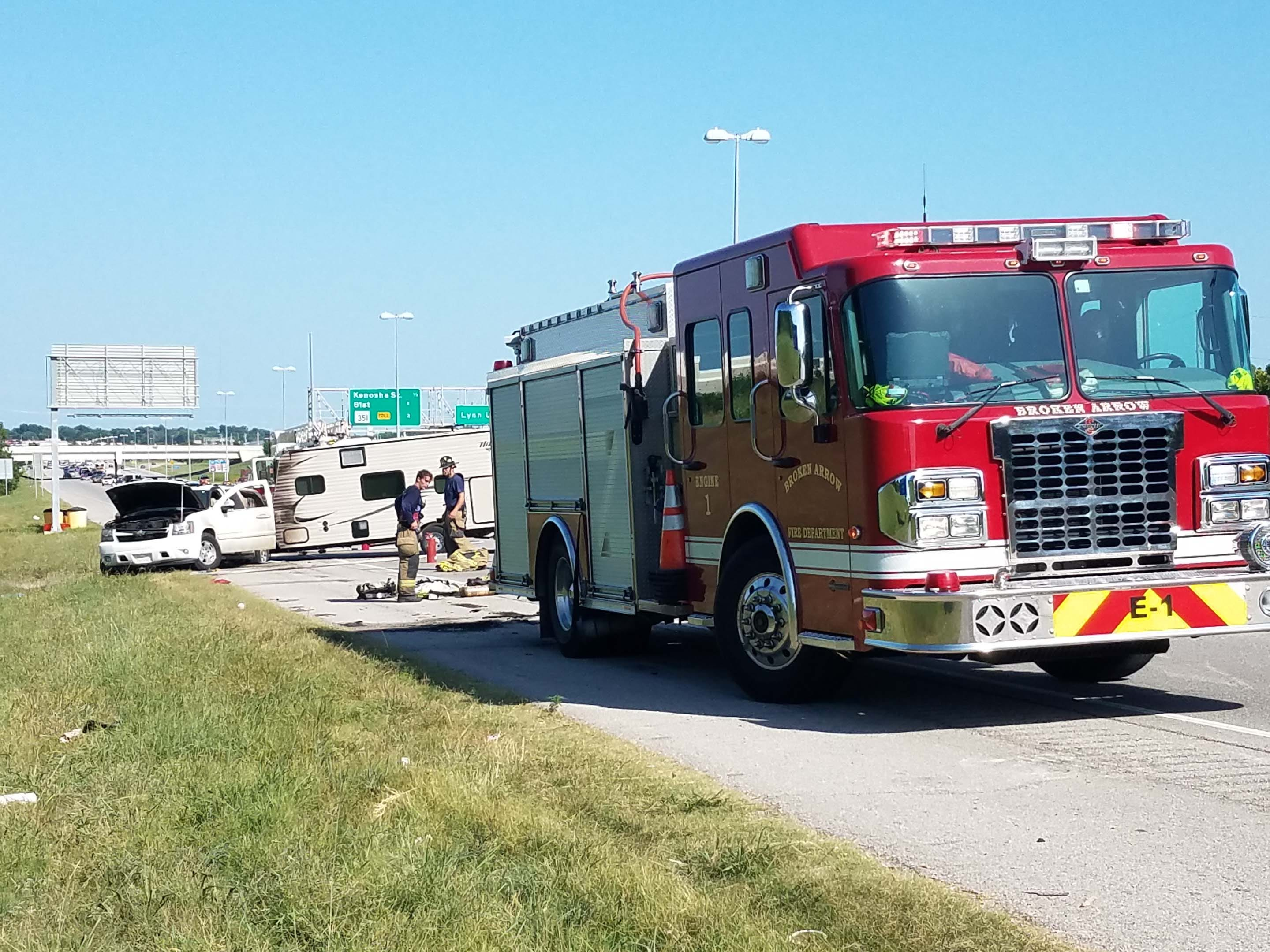 SUV Pulling Camper Catches Fire On BA Expressway