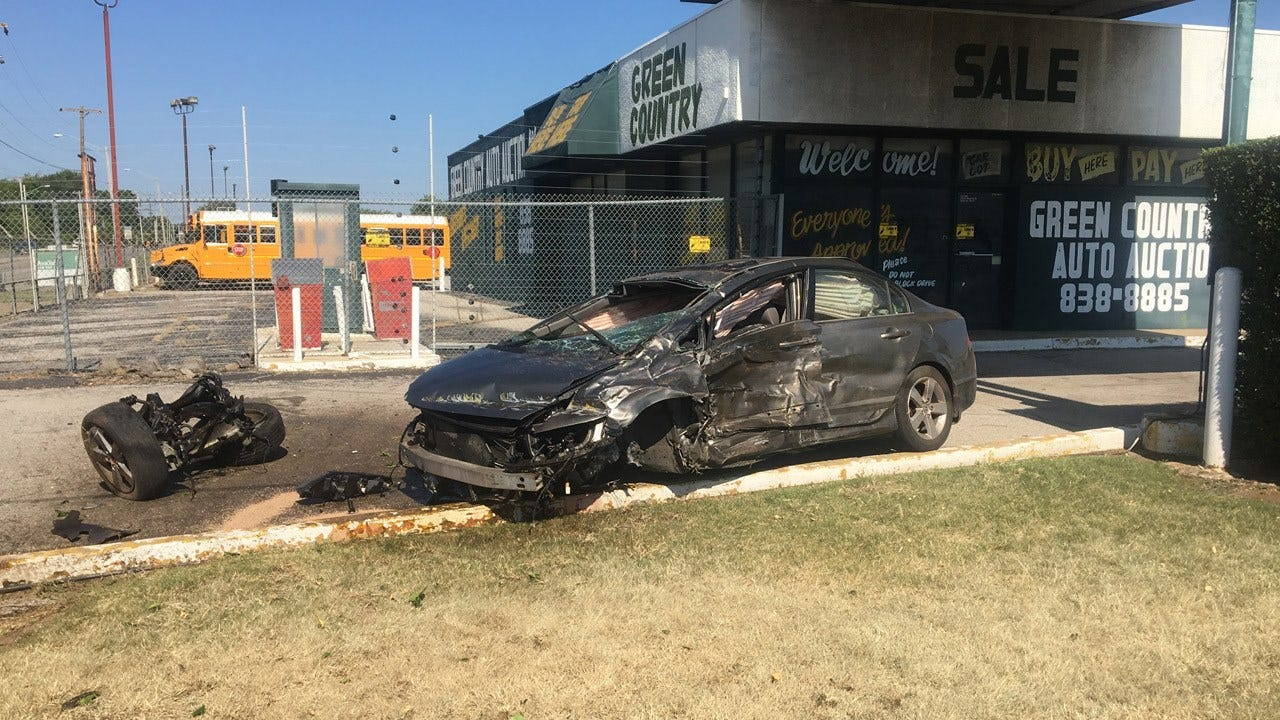 TPD: 1 Injured In Collision After Driver Runs Red Light