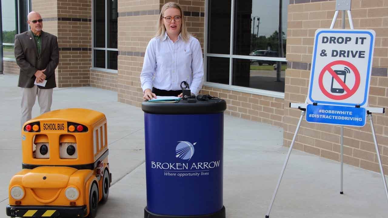 Broken Arrow Starts 'Drop and Drive' Campaign To Stop Texting While Driving