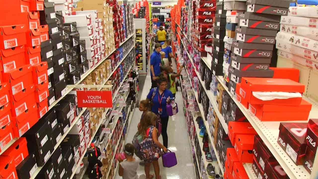 Tulsa Students Back To School Shopping Let Loose In Academy