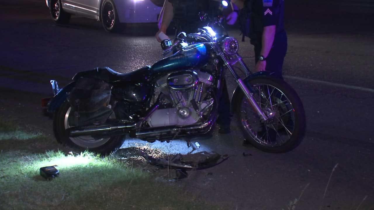 Motorcycle Rider Suffers Broken Leg After Tulsa Crash