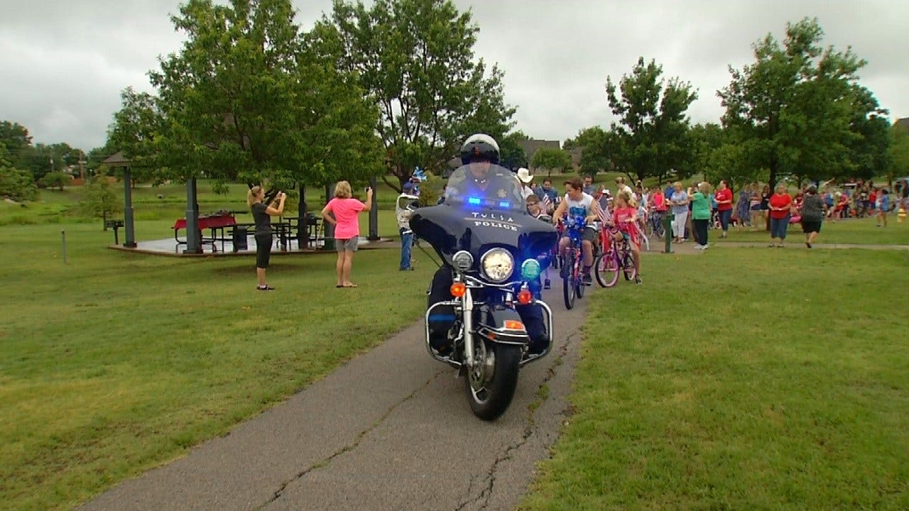 Tulsans Celebrate Holiday With Bicycle Parade