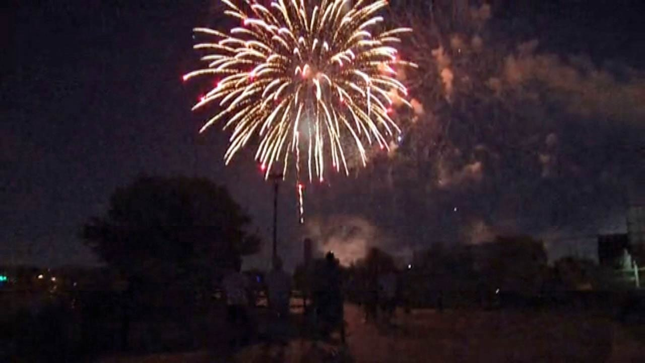 Tulsans Celebrate Independence Day With FreedomFest Fireworks Show