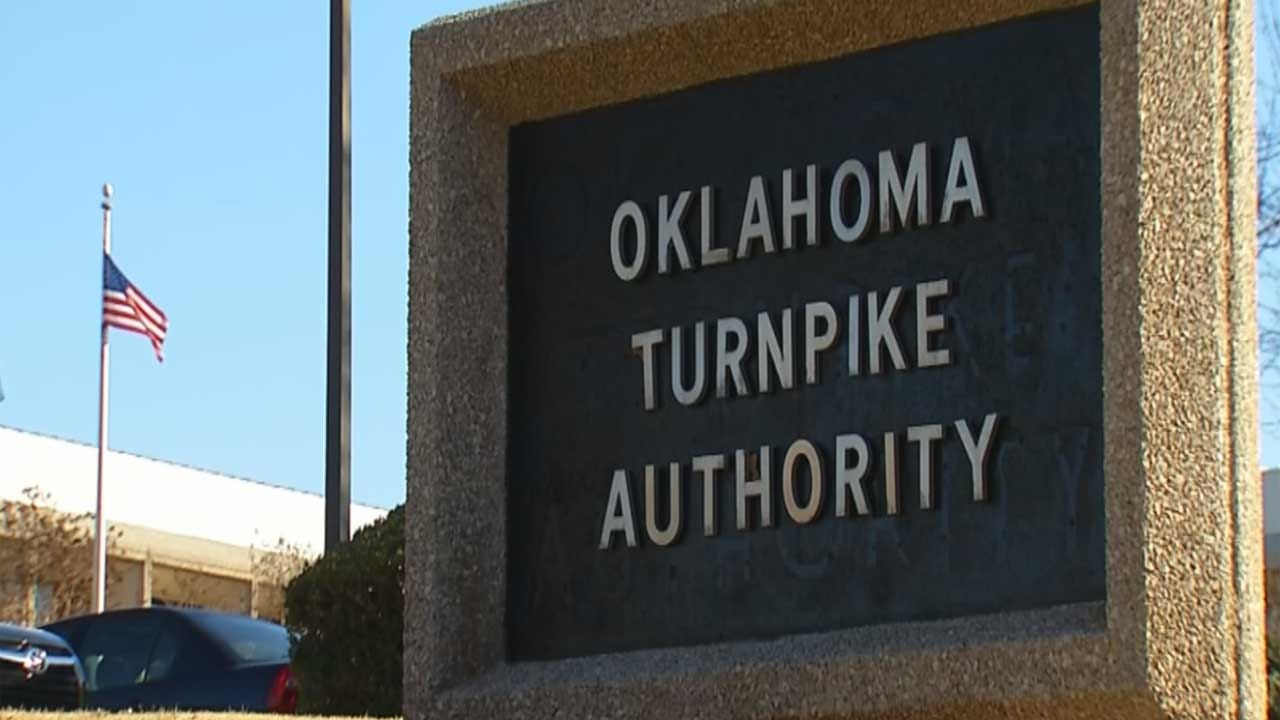Oklahoma Turnpike Authority Worker Hospitalized After Being Hit By SUV
