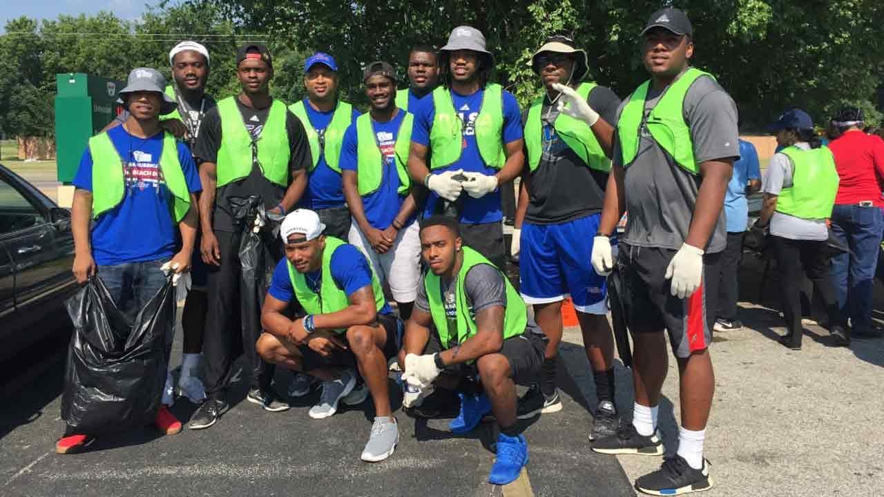 Tulsa Hurricane Football Turns Out For North Tulsa Community Service