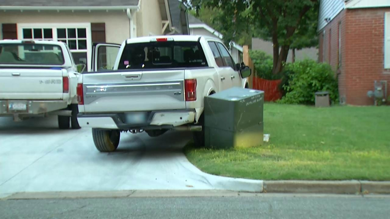 Thieves Try To Steal Pickup, Knock Out Power In Tulsa Neighborhood