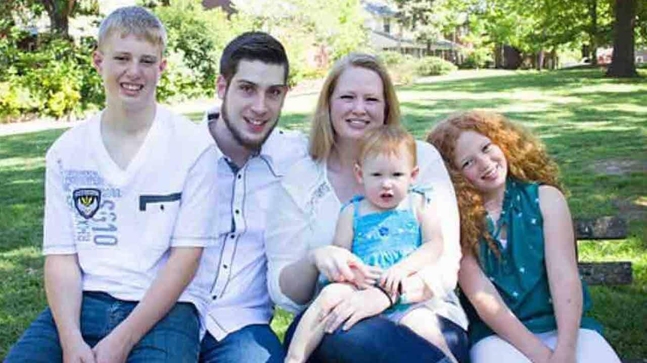 Tulsa Holds Fundraiser To Support Family Of Slain Man