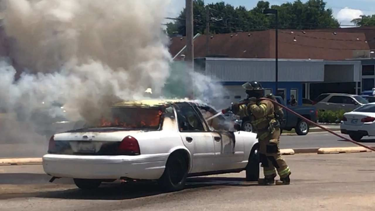 One Injured In Car Fire At Tulsa Restaurant