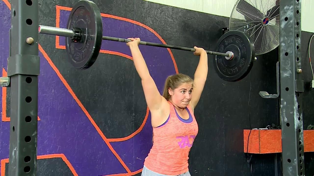 Calera Teen Wins Weightlifting National Championship