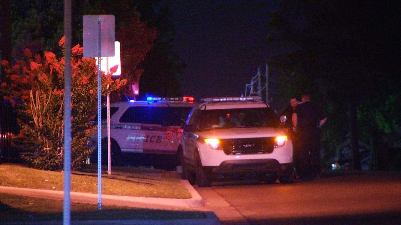 Woman Robbed At Gunpoint At Tulsa Park