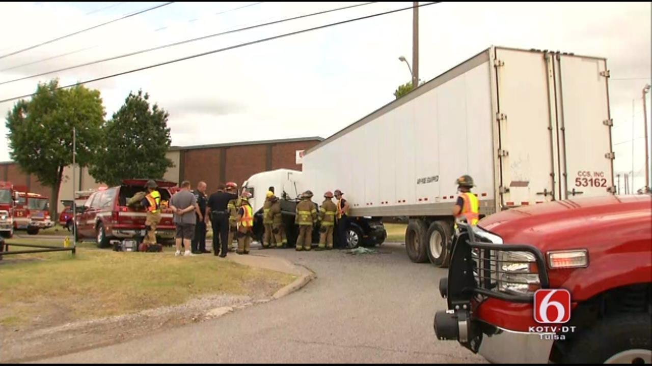 Crash Involving An SUV And Semi Closes Tulsa Street