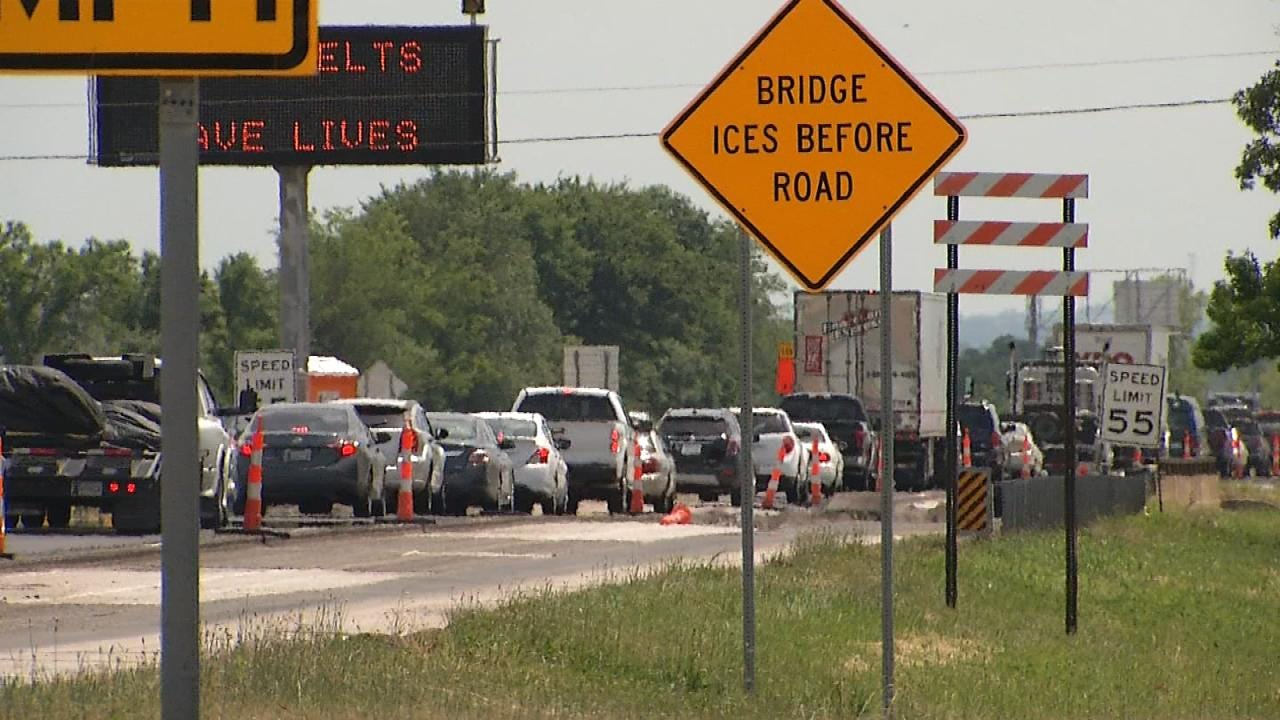 Northbound Highway 75 Resurfacing Project Changing Lanes At Jenks