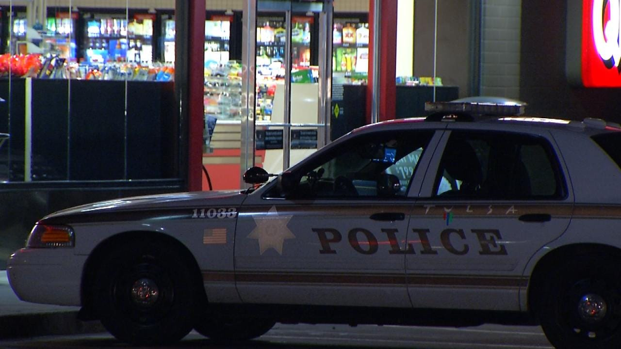 Woman Uses Knife To Rob Tulsa Convenience Store