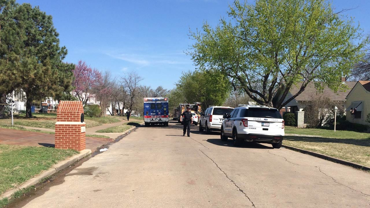 Neighbors Call Police After Man Is Shot In Tulsa Driveway