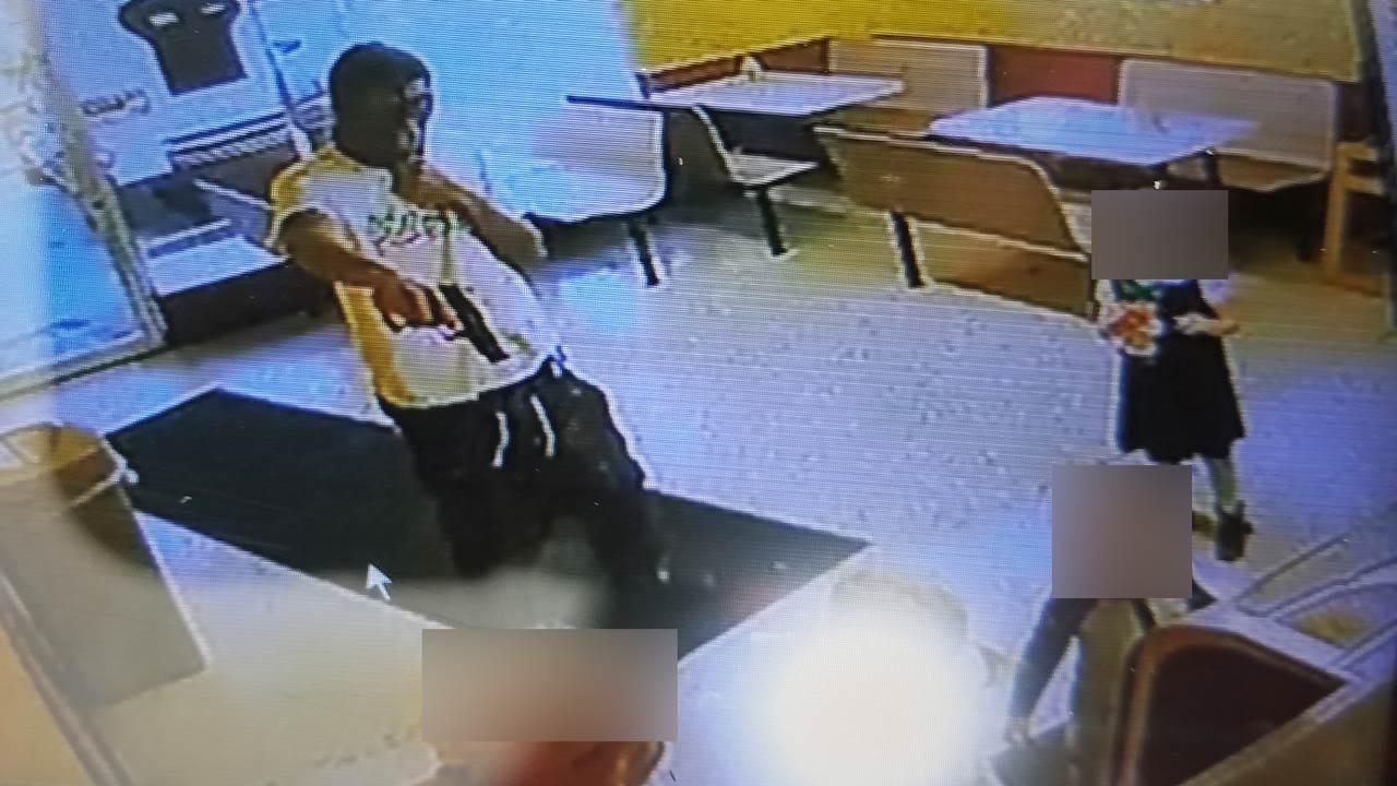 Tulsa Robber Points Gun At Mom, Three Children Buying Donuts