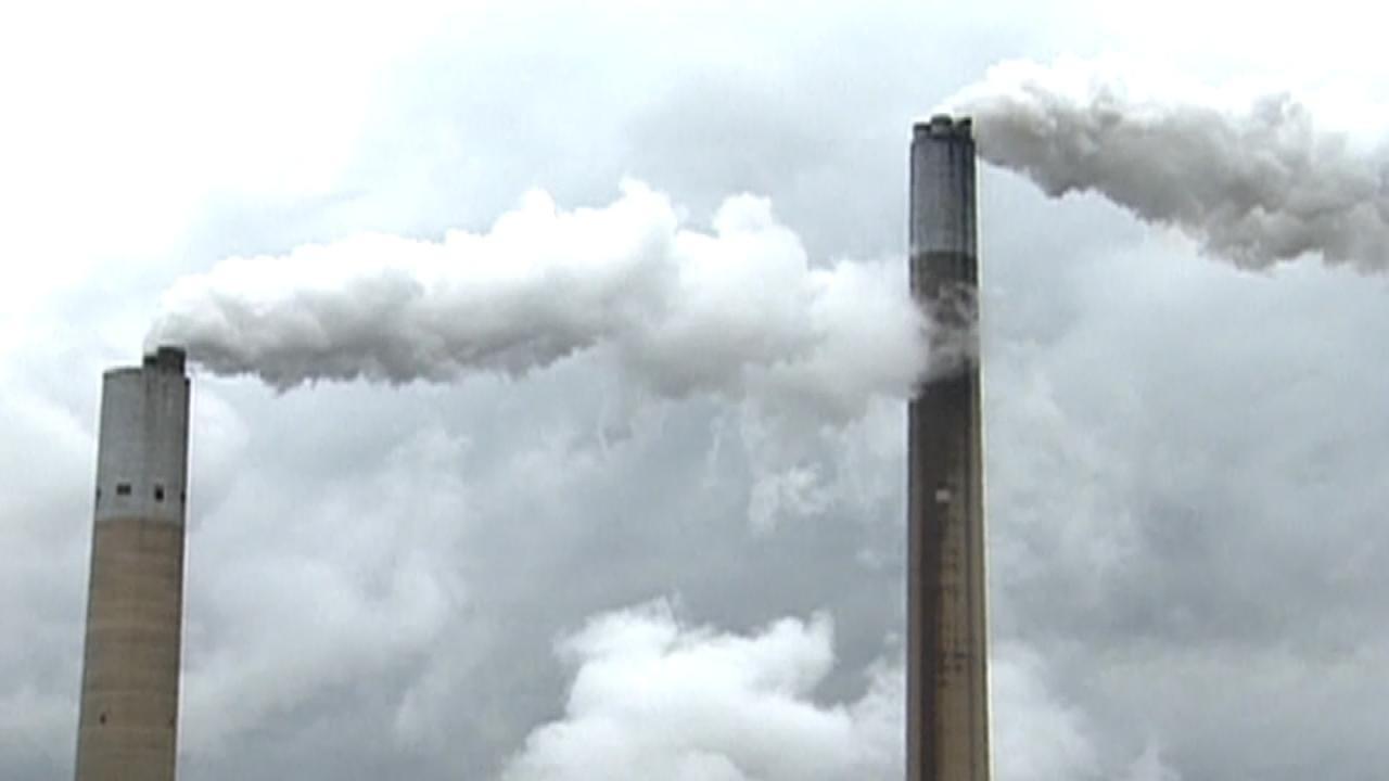 Trump Signs Order Dismantling Obama Environmental Regulations