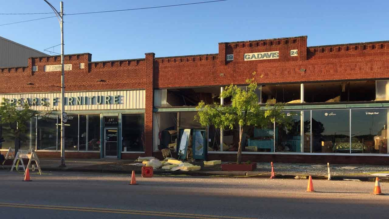 Pawnee Furniture Store Roof Collapses