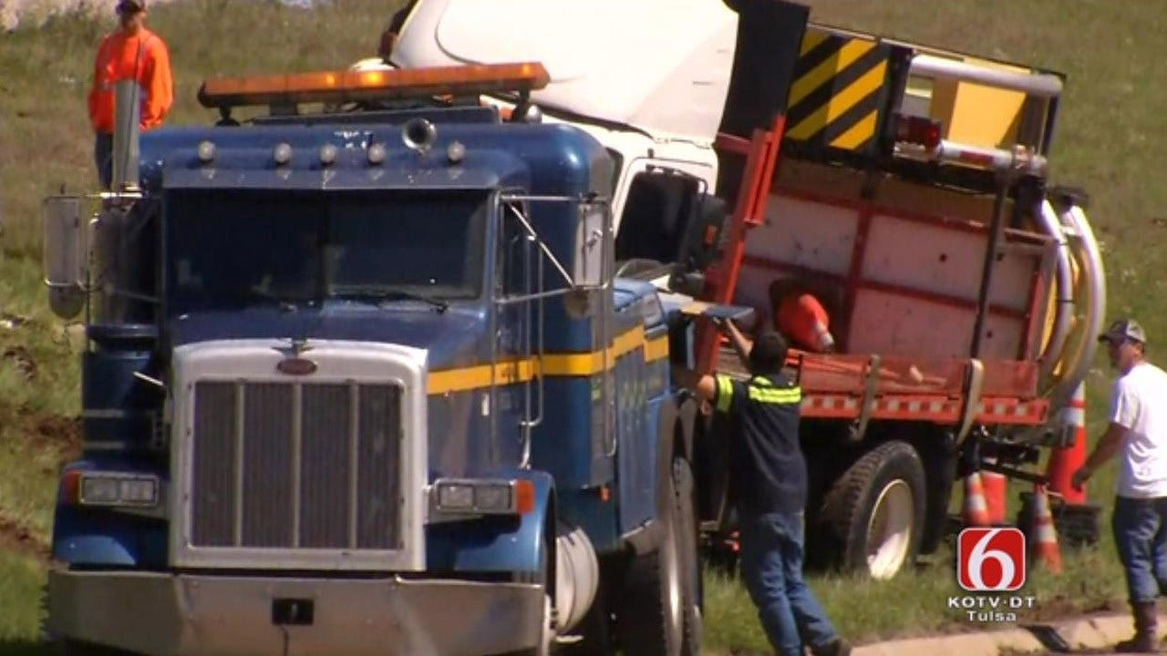 Truck Rollover Causes Lane Closures On I-44