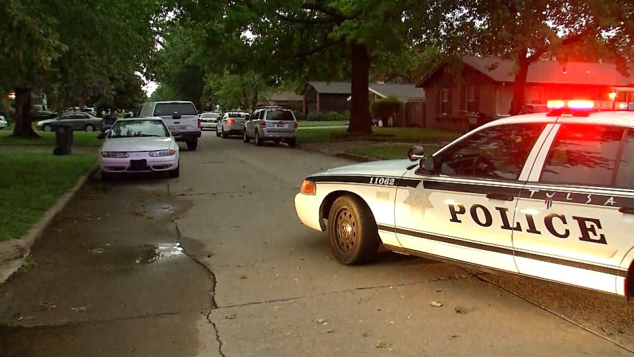Woman Delivering Newspapers Finds Body Lying In Tulsa Street