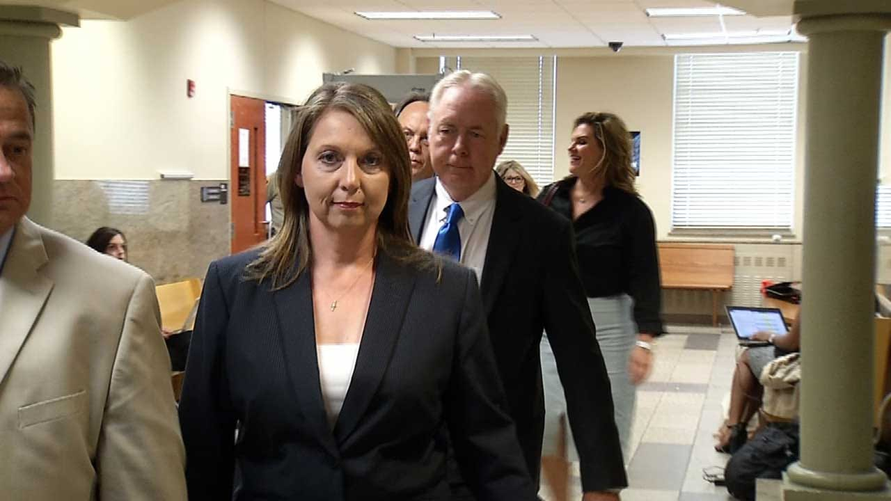 Betty Shelby's Attorneys Call First Witnesses In Manslaughter Trial