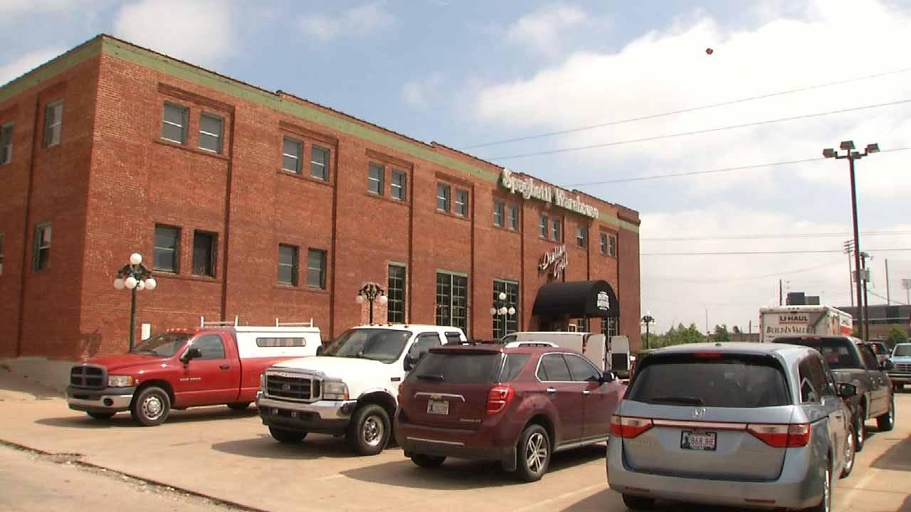 High Bidders Haul Off Winnings From Tulsa's Spaghetti Warehouse