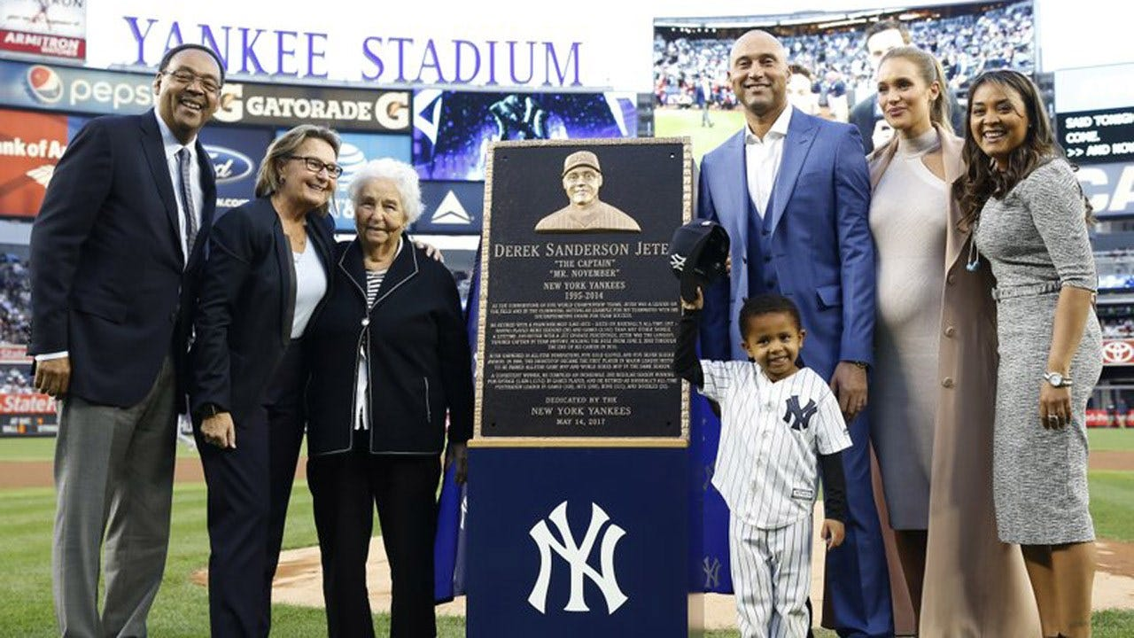 Jeter's No. 2 Retired By Yanks; Monument Park Plaque Unveiled