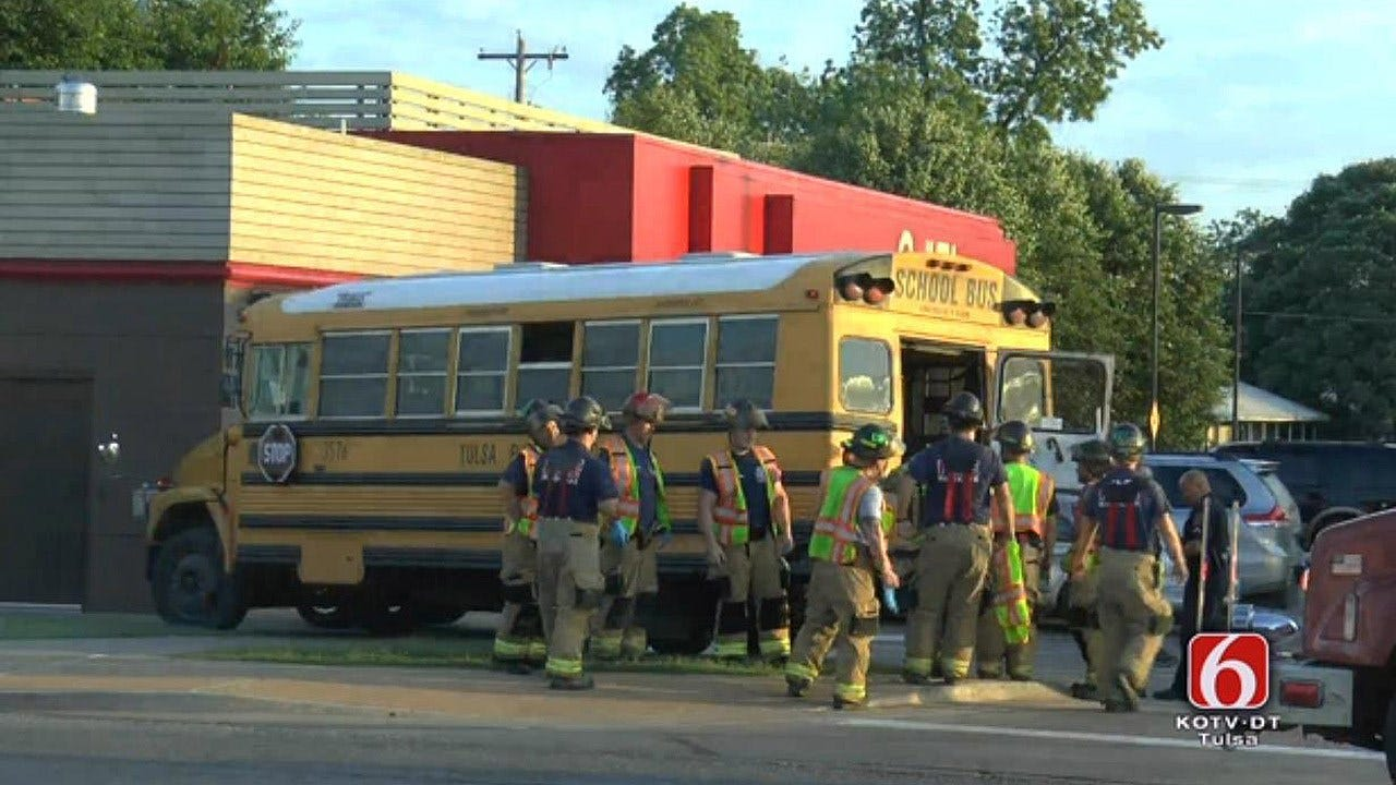 TPS Bus Carrying 5 Kids Involved In Crash
