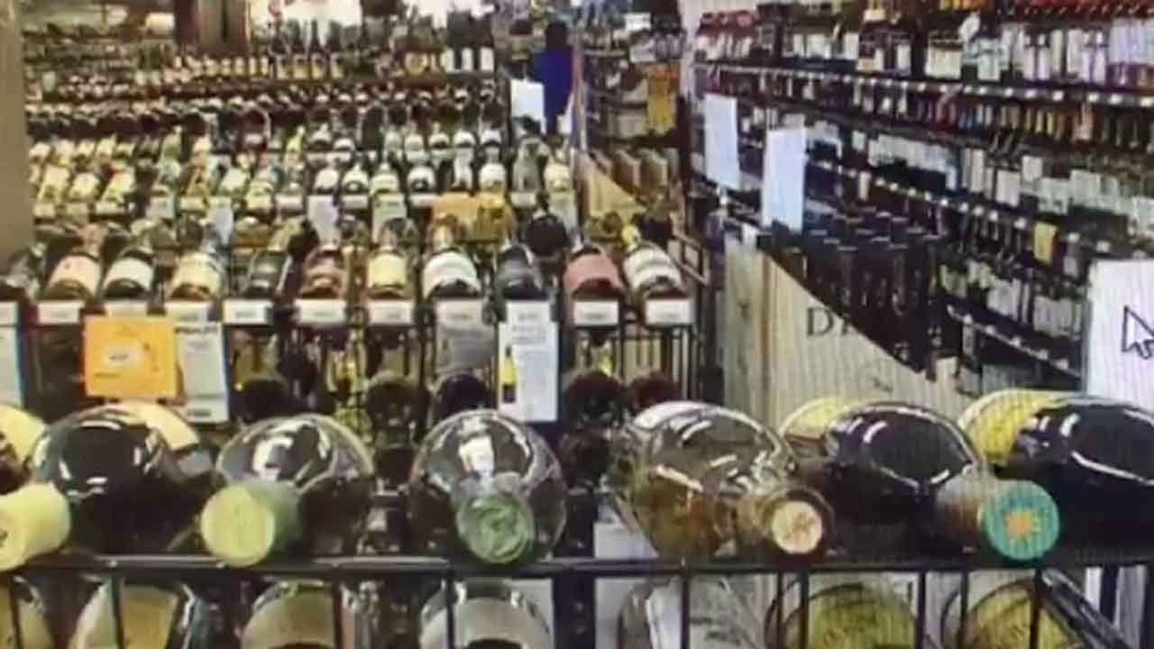 Bill Allowing Sunday Liquor Sales To Go Before Governor Fallin