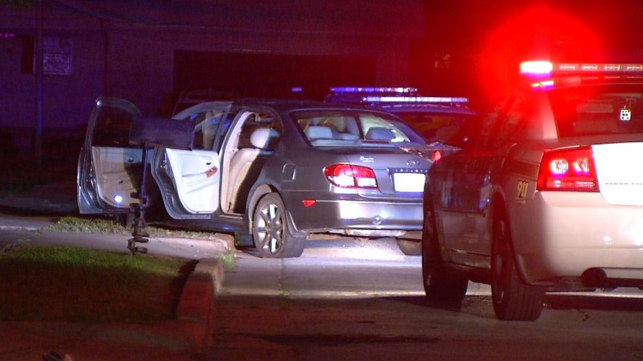 TPD: Driver Appears Intoxicated After Crashing Into Yards