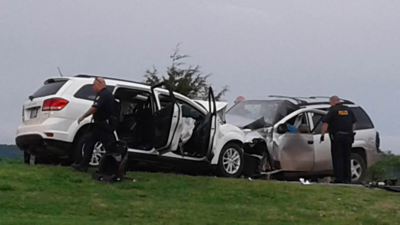 Two Killed In Wreck On Skiatook Highway