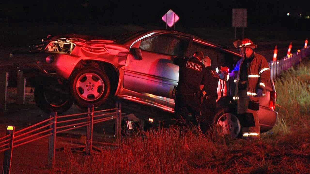 Tulsa Police Say Driver Suspected Of DUI Causes 2-Car Crash