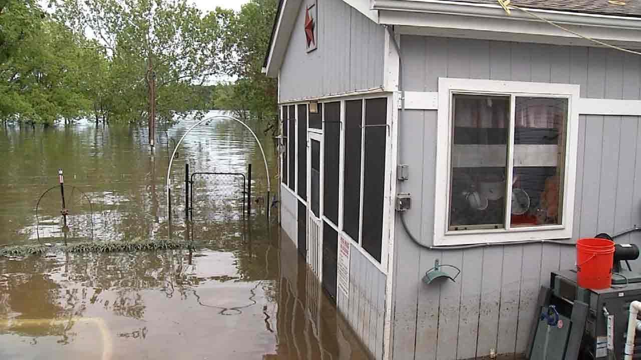 Floods Put Damper On Lake Hudson Business During Memorial Day Weekend
