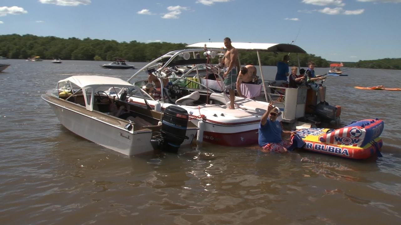 Boaters Flock To Skiatook Lake Despite Above-Normal Levels